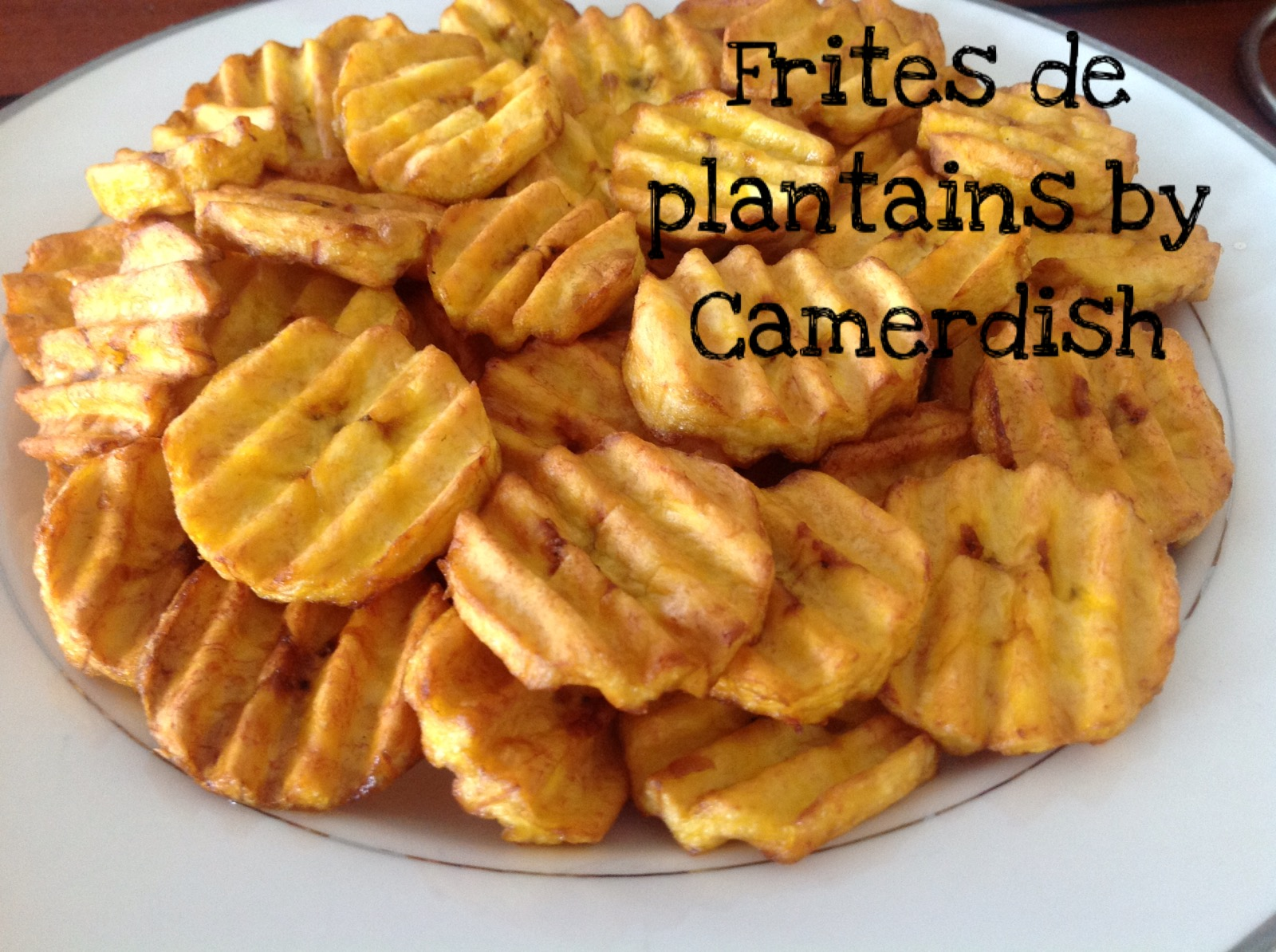 Frites de plantains mûrs