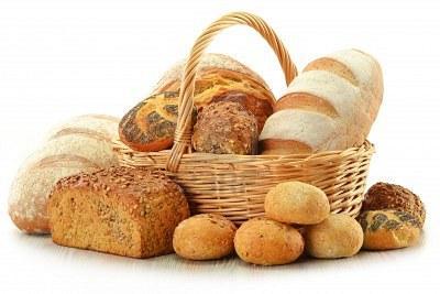 11844544-composition-avec-du-pain-et-des-petits-pains-dans-le-panier-en-osier-isole-sur-blanc.jpg
